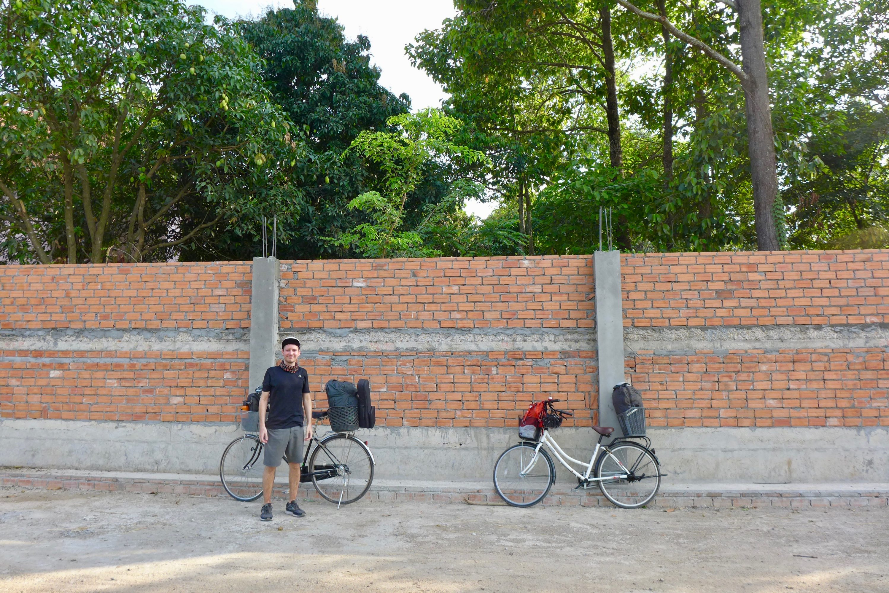 Nos Débuts à Vélo: Le Départ De Phnom Penh