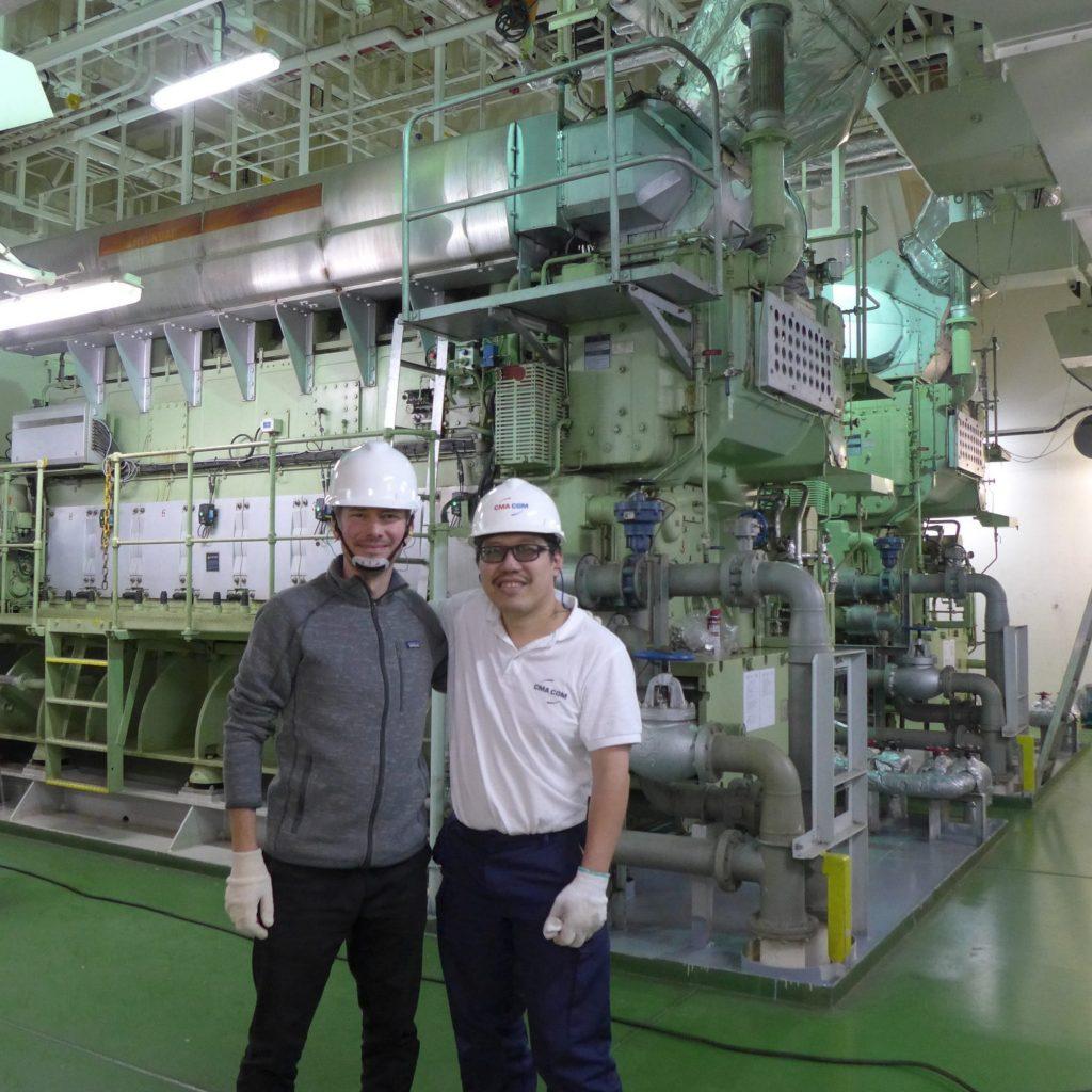 Visite De La Salle De Machine Avec Le Chef Mécanicien