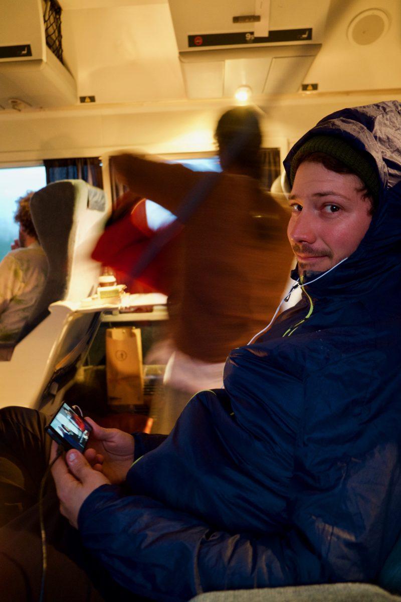 Dans le train, il fait froid